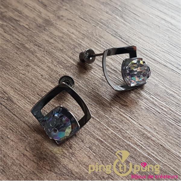 Bijoux en Swarovski : Boucles en argent noirci et cristaux de Swarovski de Ostrowski Design