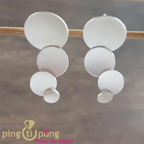 Bijoux originaux : Boucles paraboles en argent massif brossé de KELIM Design