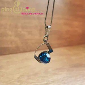 Bijou en Swarovski : Collier blackpearl en argent noirci et cristal de Swarovski bleu de OSTROWSKI Design