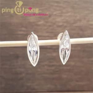 Bijoux originaux : Boucles Marquise en argent 925 et cristaux de Swarovski diamant de Ostrowski Design