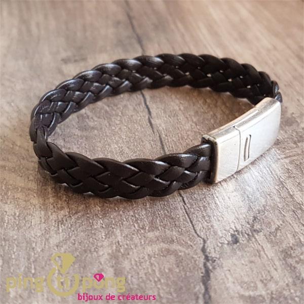 Bijou artisanal : bracelet homme cuir tressé et attache argent de La Fleur de Peau
