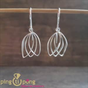 Original jewellery: earrings in brushed 925 silver from KELIM Design