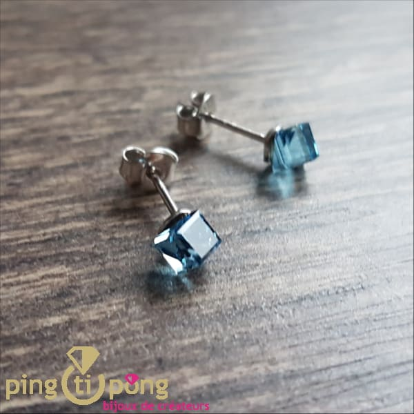 Original jewelry : Blue cubic Swarovski crystal SPARK earrings