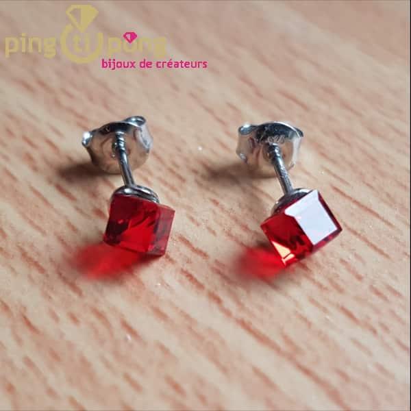 Bijoux originaux : boucles cubes en argent et cristaux de Swarovski de SPARK