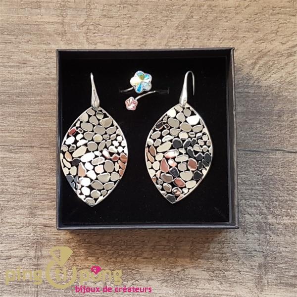 Composition de boucles et bague argent rhodié et cristal de Swarovski de CANYON et SPARK