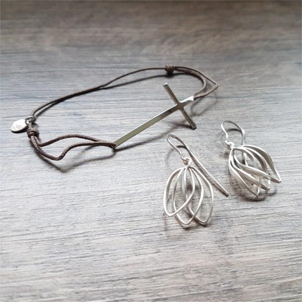 Composition argent : Bracelet O. LAFOND et boucles d'oreilles KELIM Design
