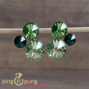 Bijoux artisanaux : Boucles en argent rhodié et cristaux verts de SPARK